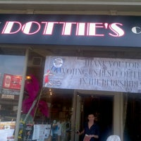 Photo taken at Dottie's Coffee Lounge by Peter W. on 9/21/2011