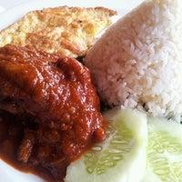 Photo taken at Jetty Restaurant by Ellyrafiqa H. on 5/18/2012