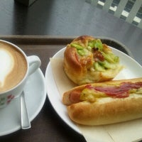 Photo taken at CAFFE CIAO PRESSO & LITTLE MERMAID チャオプレッソ by nosenose s. on 6/16/2012