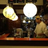 Photo taken at Kamiya Sushi & Sukiyaki by Jair Araújo on 3/22/2012