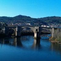 Foto tirada no(a) Ponte Romana de Ourense por Jesús em 1/7/2012