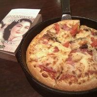 Photo taken at Pizza Hut (必胜客) by Julie w. on 9/18/2011