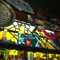 Das Foto wurde bei Bradley's Spanish Bar von Ben F. am 3/13/2012 aufgenommen