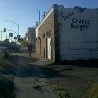 Снимок сделан в Tioli's Crazee Burger пользователем Christopher P. 12/8/2011