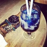 Foto scattata a Java Lounge da Bee A. il 6/1/2012