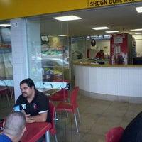 Foto tirada no(a) Sky's Burger por Glauber R. em 11/14/2011