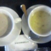 Photo taken at Starbucks by Seoeun Y. on 11/5/2011