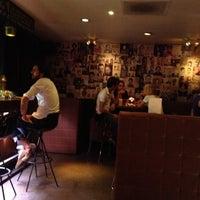Photo prise au Soda Bar par Adrien V. le8/22/2012