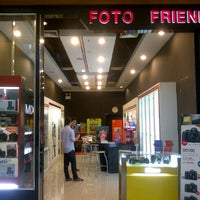 Photo taken at Foto Friend Central Rama III by linn on 10/4/2011