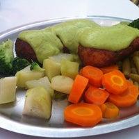 Foto tomada en Restaurant Zanahoria Vegetariano por TRIPULANTE G. el 4/30/2012
