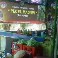 Photo taken at Pecel Madiun Pak Ambon by darius adi s. on 11/18/2011