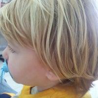 Foto tirada no(a) Doutor Cabelo Infantil por Felipe R. em 5/29/2012