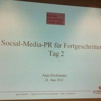 Das Foto wurde bei Berliner Journalisten-Schule von Anja B. am 6/21/2012 aufgenommen
