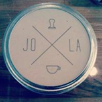 Foto scattata a JoLa Cafe da Courtney H. il 9/11/2012
