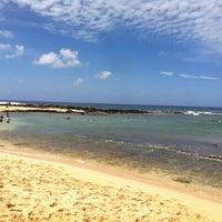 Foto tomada en Poipu Beach por Hannah G. el 8/4/2012