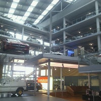 Photo taken at Mercedes-Benz Niederlassung München by Linda on 8/8/2012