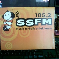 Photo taken at Radio 105.2 SSFM Semarang by freddiethe13th on 1/16/2012