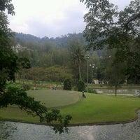 Photo taken at Kelab Darul Ehsan by Jas J. on 4/8/2012