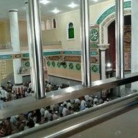 Photo taken at Masjid Agung Al-Makmur by IzAl I. on 11/4/2011