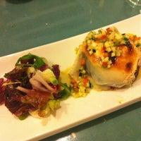 Foto tirada no(a) Restaurante LA BULLA por Monica G. em 11/5/2011