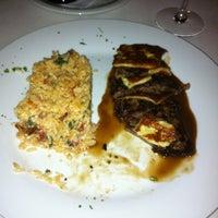 Photo taken at Moana Restaurante - Gastronomia e Arte by Newton C. on 9/7/2011
