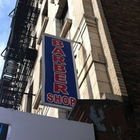 2/21/2012にMax B.がManhattan Barber Shopで撮った写真