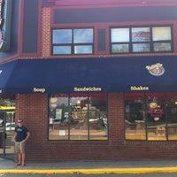 Photo taken at Potbelly Sandwich Shop by Sivamon P. on 8/31/2011