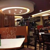 Photo taken at Vips by Toncho A. on 2/18/2012