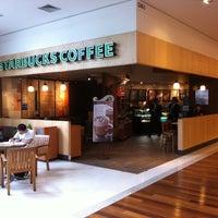 Photo taken at Starbucks by Fabio T. on 4/11/2011
