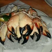 Foto scattata a Truluck's Seafood Steak & Crab da Oren B. il 3/19/2012