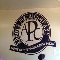 6/3/2012 tarihinde Ruben S.ziyaretçi tarafından Abbot's Pizza Company'de çekilen fotoğraf
