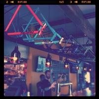Das Foto wurde bei Hopworks BikeBar von Marya V. am 7/11/2011 aufgenommen