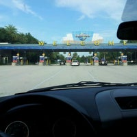 Photo taken at Universal Orlando Resort Parking Complex by Melissa D. on 6/3/2012