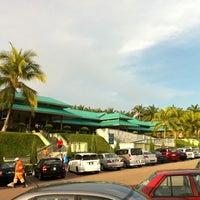 Photo taken at R&R Machap - South Bound by Shahrul Faizal on 5/22/2011