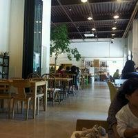 Photo taken at Factory670 / Hankook Coffee by 콩순이는 콩. on 9/27/2011