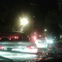 Photo taken at Simpang Jalan Ampang & Jalan Jelatek by Zulaiha E. on 7/6/2012
