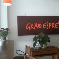 Photo taken at Grão Espresso by Cristiano A. on 10/5/2011