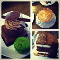 Foto diambil di Rick's Café oleh Kati H. pada 5/3/2012