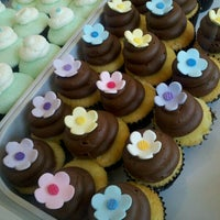 Photo taken at Vanilla Bake Shop by Diana M. on 1/30/2012