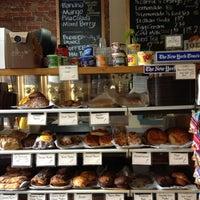Foto scattata a The Market Cafe da AJ F. il 12/1/2011