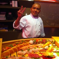 Foto scattata a Umi Sushi Bar & Grill da Laurel A. il 8/23/2011
