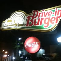Photo taken at Drive-in Burger by Felipe R. on 3/20/2011