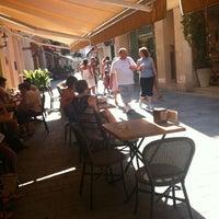 Foto tomada en Cafe Bar Roy por Victoria S. el 7/25/2012
