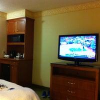Photo taken at Hilton Garden Inn Atlanta NE/Gwinnett Sugarloaf by Jim B. on 5/12/2012