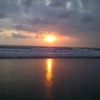 Das Foto wurde bei Puri Naga seaside cottages von Ch M. am 10/22/2011 aufgenommen