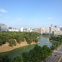 Photo taken at Grand Arc Hanzomon by Yasufumi A. on 7/9/2012