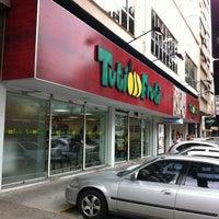 Foto tirada no(a) Tuti Fruti por Léo Cunha em 4/9/2012