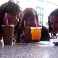 Photo taken at Momo Bubble Tea and Coffee House by Emma R. on 11/16/2011