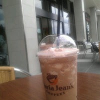Photo taken at Gloria Jean's Coffees by Edmund N. on 2/28/2012