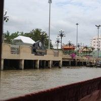 Photo taken at ท่าเรือนนทบุรี (พิบูลย์ 3) Nonthaburi (Pibul 3) N30 by Pimpisa P. on 6/9/2012
